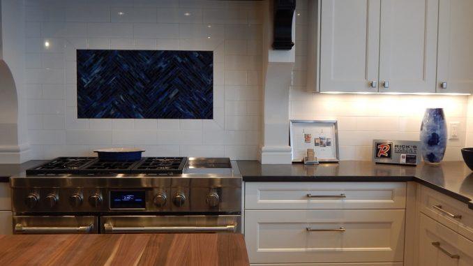 Un relooking petit prix pour vos meubles de cuisine for Meuble de cuisine a petit prix